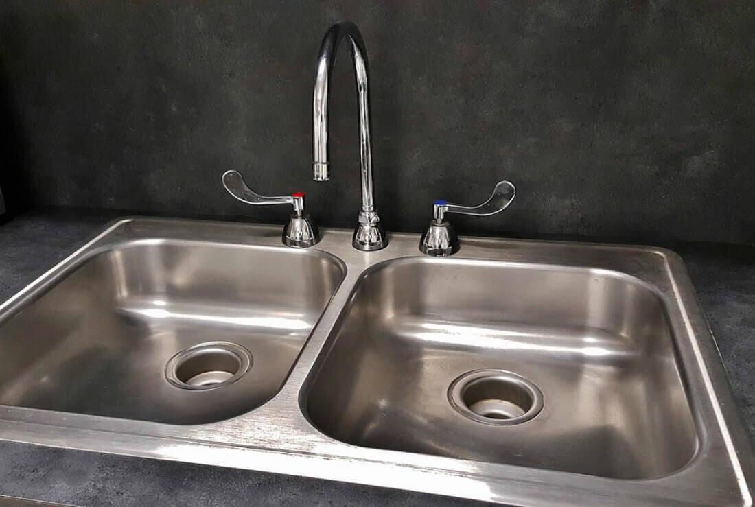 cambiare un rubinetto in cucina