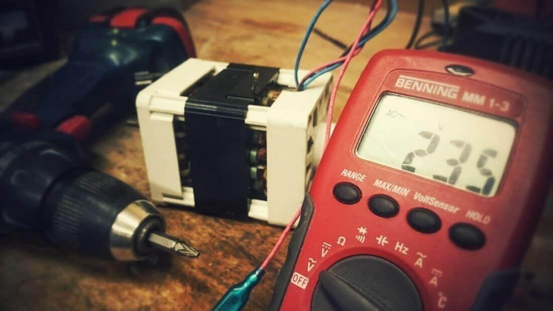 trapano avvitatore elettrico