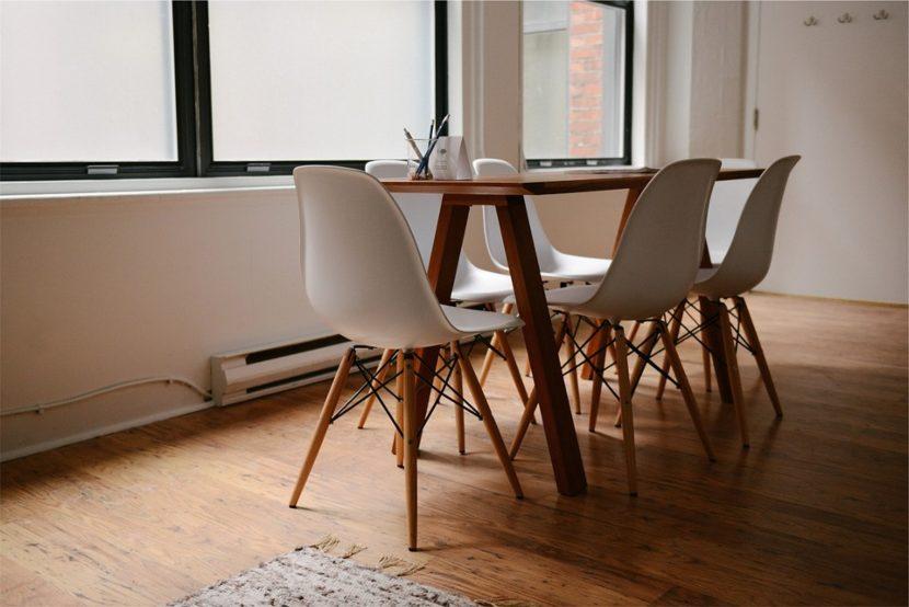 Come aggiustare un tavolo che traballa