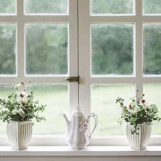 Come cambiare la cerniera della finestra