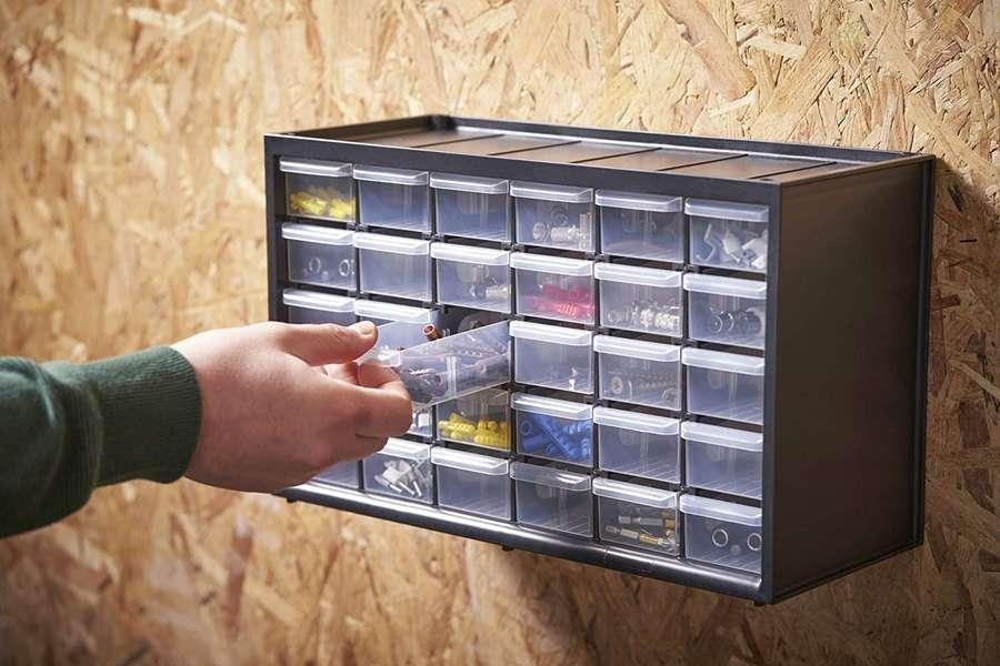 Cassettiera a 30 cassetti piccoli Stanley.